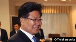 Секретарь партийного комитета СУАР Китая Чжан Чуньсянь. Астана, 3 мая 2016 года.
