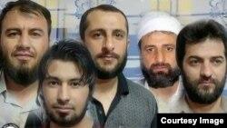 تصویری که وبسایت هرانا از پنجنفر از زندانیان سنیمذهب محکوم به اعدام منتشر کرده است