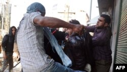 Столкновение сторонников и противников Мубарака
