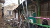 Последствия обрушения подпорной стены в переулке Ломоносова в Ялте, архивное фото
