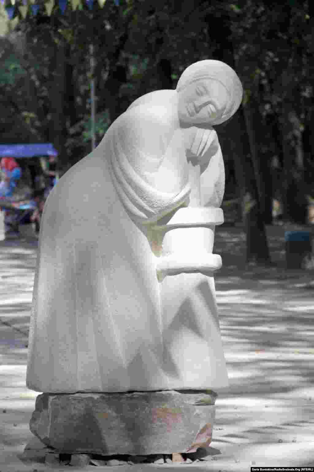 «Казашка» черкаського скульптора Івана Фізера