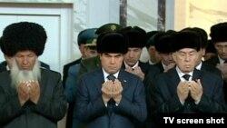 "Gozman: ""Prezident Gurbanguly Berdimuhamedowyň beren käbir wadalaryna garamazdan, Türkmenistandaky ýagdaýlar esasan üýtgemän gelýär""."