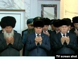 Hatyra çärelerine döwlet baştutany Gurbanguly Berdimuhamedow hem gatnaşdy.