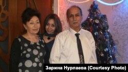 Учительница школы-лицея села Почетное Лилия Нурлаева с семьей