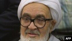 Иран -- Диссидент динаятчы, улуу аятолла Хоссейн Али Монтазери Ирандагы азыркы режимди исламга эч кандай тиешеси жок заалым диктатура деп эсептейт.