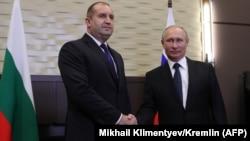 Претседателите на Бугарија и на Русија, Радев и Путин на вчерашната средба во Сочи