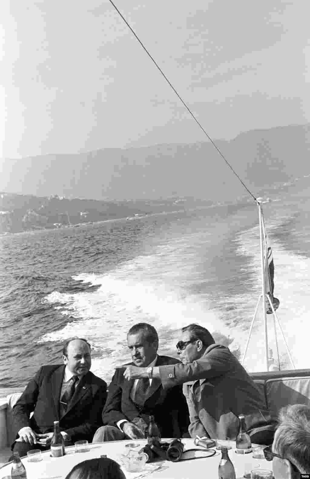 Despite East-West tensions, Brezhnev and U.S. President Richard Nixon shared a suprising number of relaxing moments. The Cold War adversaries went on a Black Sea boat trip during Nixon's trip to Crimea in 1974.