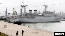 Разведывательный корабль «Славутич». Севастополь, 20 марта 2014 года