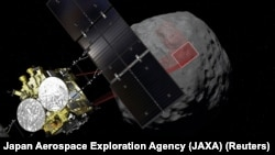 Графічне зображення зонду Hayabusa 2 на тлі астероїда Рюґу