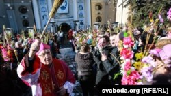 Тадэвуш Кандрусевіч асьвятляе вербы