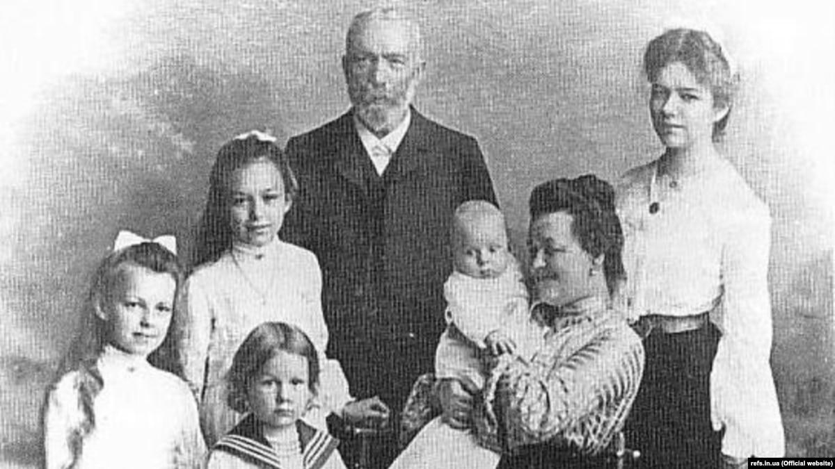175-летний юбилей. Украинец Иван Пулюй открыл лучи, которые назвали рентгеновскими