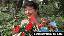 Гузяль Байдалинова, редактор оппозиционного сайта Nakanune.kz, вышла на свободу из следственного изолятора. Алматы, 12 июля 2016 года.