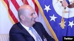 گوردون ساندلند، نماینده آمریکا در اتحادیه اروپا