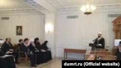 Русия динара шурасы утырышында Камил Сәмигуллин чыгыш ясый