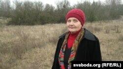 Надзея Коржык, школьная сяброўка Сьвятланы Алексіевіч. Тут стаяў дом, дзе жылі Алексіевічы