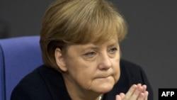 Angela Merkel nakon govora o eurozoni u njemačkon Bundestagu, 2. decembar 2011. godine.