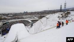 Лыжный трамплин в Алматы. 2 февраля 2011 года.