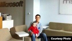 Кыргызстандык Акжол Абдухалиев азыр Microsoft корпорациясында иштейт.