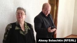Татьяна Котляр и ее адвокат Илларион Васильев в суде