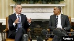 ԱՄՆ-ի նախագահ Բարաք Օբաման և ՆԱՏՕ-ի գլխավոր քարտուղար Յենս Ստոլտենբերգը Սպիտակ տանը կայացած հանդիպման ժամանակ, 26-ը մայիսի, 2015թ.