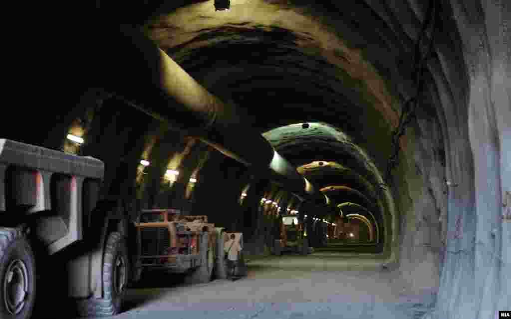 МАКЕДОНИЈА - Делницата Демир Капија - Смоквица, која е во должина од 28,2 километри беше пуштена во употреба, при што патувањето на тој потег по автопатот Пријателство ќе се скрати за 25 минути.