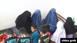 Afghanistan -- Afghan police in Kunduz prevented suicide of 11 members of poor family, 23 October 2014