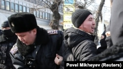 Полиция задержала сторонников оппозиции, Алматы, 27 февраля, 2019