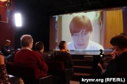 Наталья Каплан отвечает на вопросы киевлян во время поездки на Украину