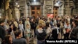 Skup podrške novinaru i glavnom i odgovornom uredniku Vranjskih Vukašinu Obradoviću, koji je zbog pritisaka koji su doveli do gašenja tih novina stupio u štrajk gladju, septembar 2017.