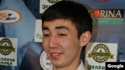 Бильярд боюнча кыргызстандык чемпион Каныбек Сагынбаев.
