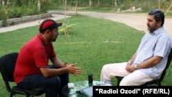 Фарход Милод беседует с Мухиддином Кабири