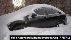 Наслідки снігопаду у Дніпропетровську, ілюстраційне фото