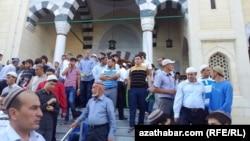 Aşgabat, Ärtogrul metjidi, 8-nji awgust, 2013.