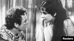 """Elizabeth Taylor və Richard Burton """"Kleopatra"""" filmində, 1963"""