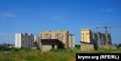 Застройка района «Крымская роза» на окраине Симферополя. Архивное фото