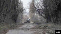 Дорога між Донецьком та селом Піски, архівне фото