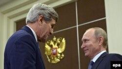 Держсекретар США Джон Керрі та президент Росії Володимир Путін, Сочі, 12 травня 2015 року