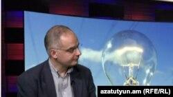Руководитель фракции АНК Левон Зурабян