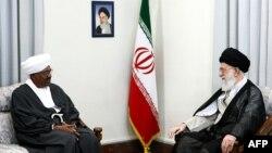 Iranian supreme leader Ayatollah Ali Khamenei meeting with Sudanese President Omar al-Bashir, Tehran, 26Jun2011