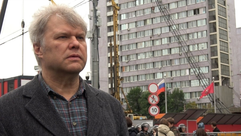 Moscow Court Allows Opposition Candidate To Run Following Protest