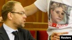 Адвокат Сергей Власенко на заседании Верховной Рады. Ноябрь 2013 года