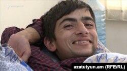 16-ամյա «գնդի որդին» Գորիսի հիվանդանոցում վիրահատությունից հետո գնալու տեղ չունի