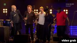 Eivind Aarset, Nils Peter Molvaer, Vladislav Delay, Sly Dunbar, Robbie Shakespeare