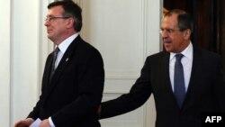 Керівники зовнішньополітичних відомств Росії і України Сергій Лавров (праворуч) і Леонід Кожара