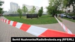 Обгороджена територія посольства США після нічного вибуху, Київ, 8 червня 2017 року