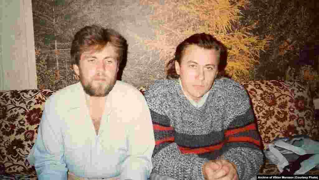 Співаки Василь Жданкін (ліворуч) і Віктор Морозов, 1989 рік. Вони стали лауреатами першого фестивалю «Червона рута»