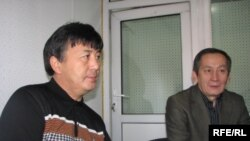 И.Жунусов, А.Сариев студияда