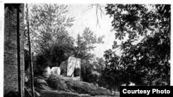 Место захоронения Курманжан-датки в Оше. Архивное фото начала 20-го века.