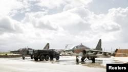 Расейскія самалёты СУ-25 на ваеннай базе Хмэймім у Сырыі