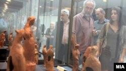 """Отварање на изложбата """"Антички теракотни фигурини од Македонија"""" во Музеј на Македонија."""